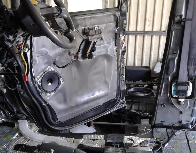 шумоизоляция Mitsubishi Delica