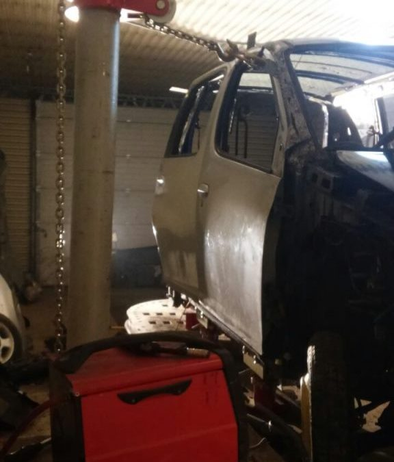 Кузовной ремонт на стапеле Toyota Fun Cargo
